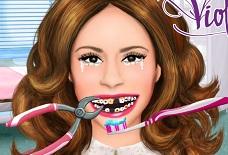Лечим зубы у Виолетты
